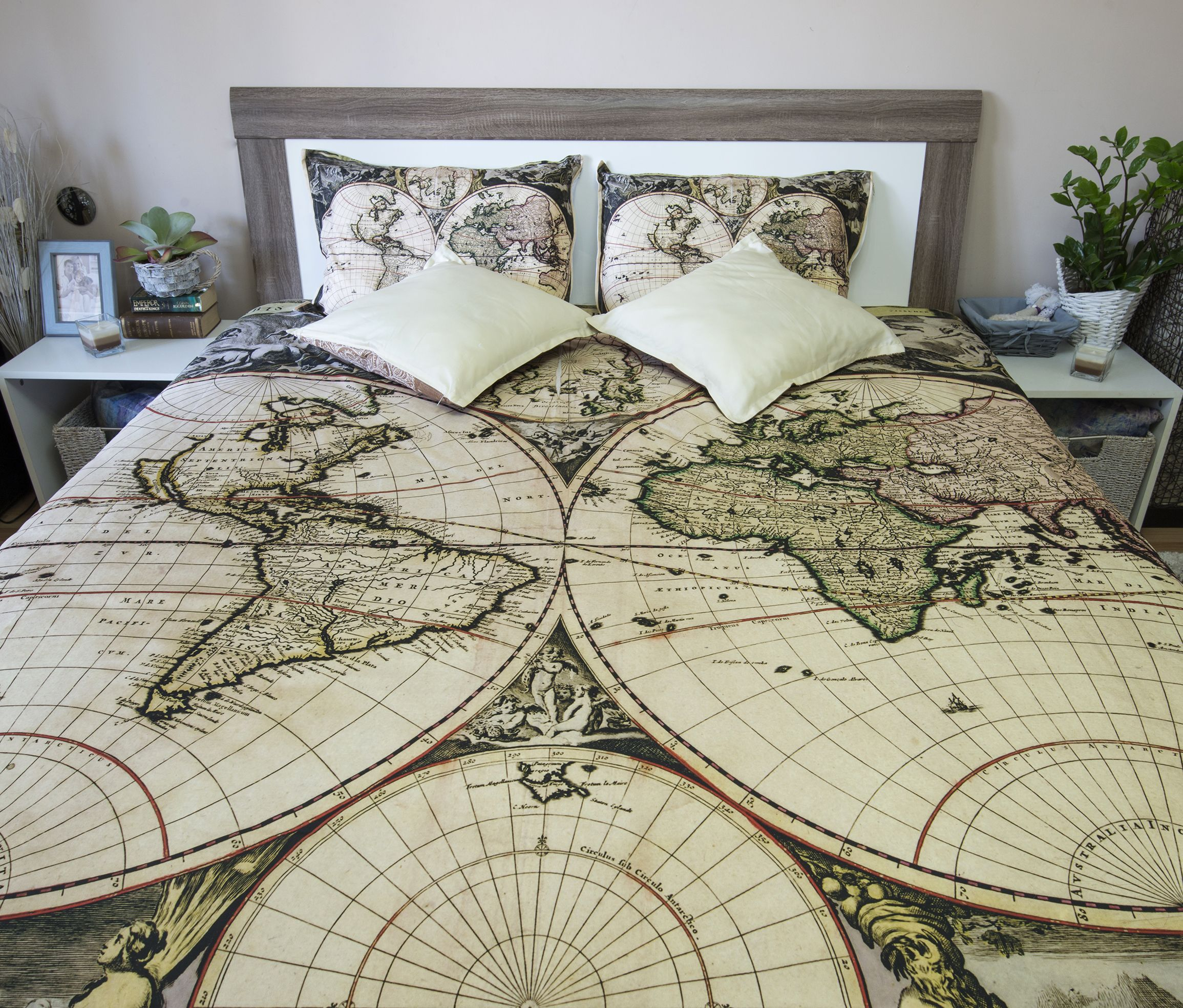 Vintage world map bedding antique 1690 old map duvet cover set our luxury reversible down duvet cover set beautifully combines the practicality gumiabroncs Image collections