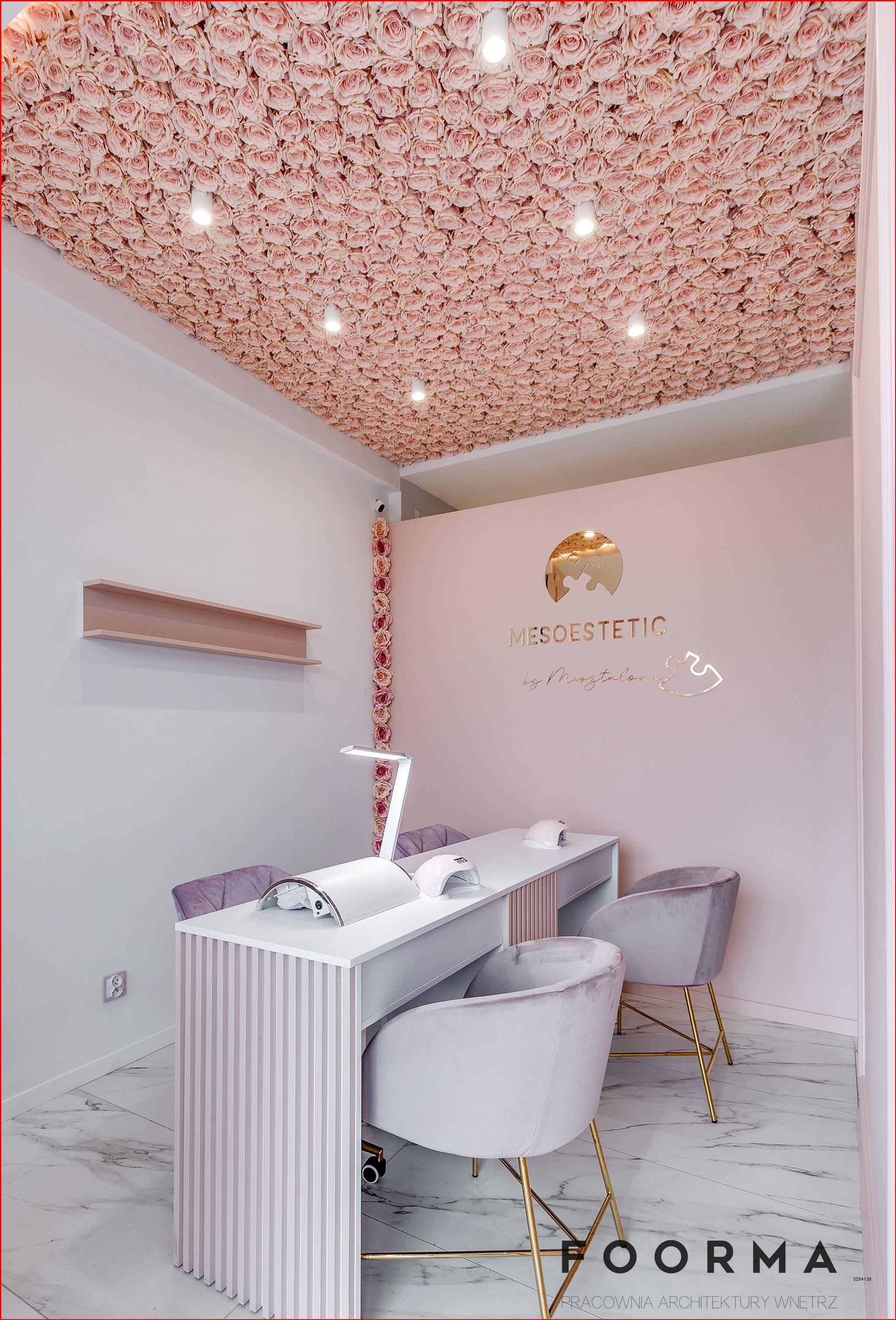 Roz Pudrowy Roz Manicure Paznokcie Beauty Room Decor Esthetics Room Beauty Room Salon