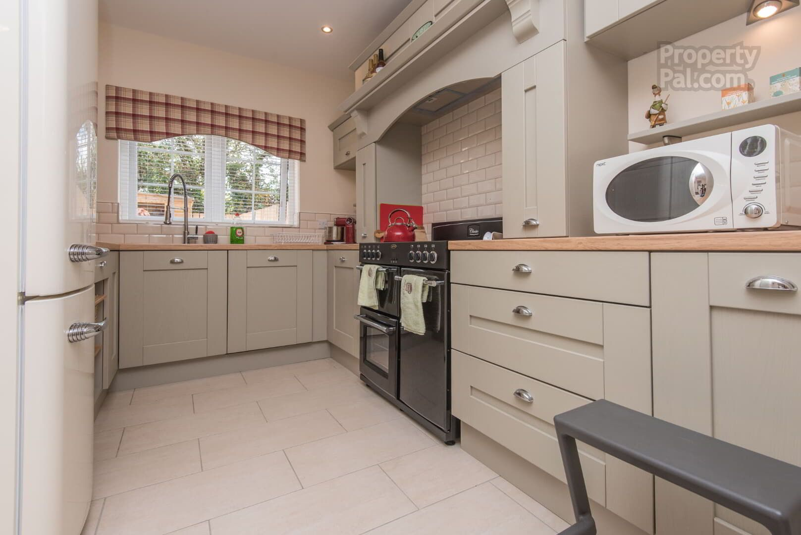 23 Spinners Drive, Armagh Home appliances, Kitchen