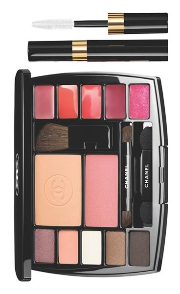 54d0acde7071 Practical and easy to use, this Chanel travel palette contains all ...