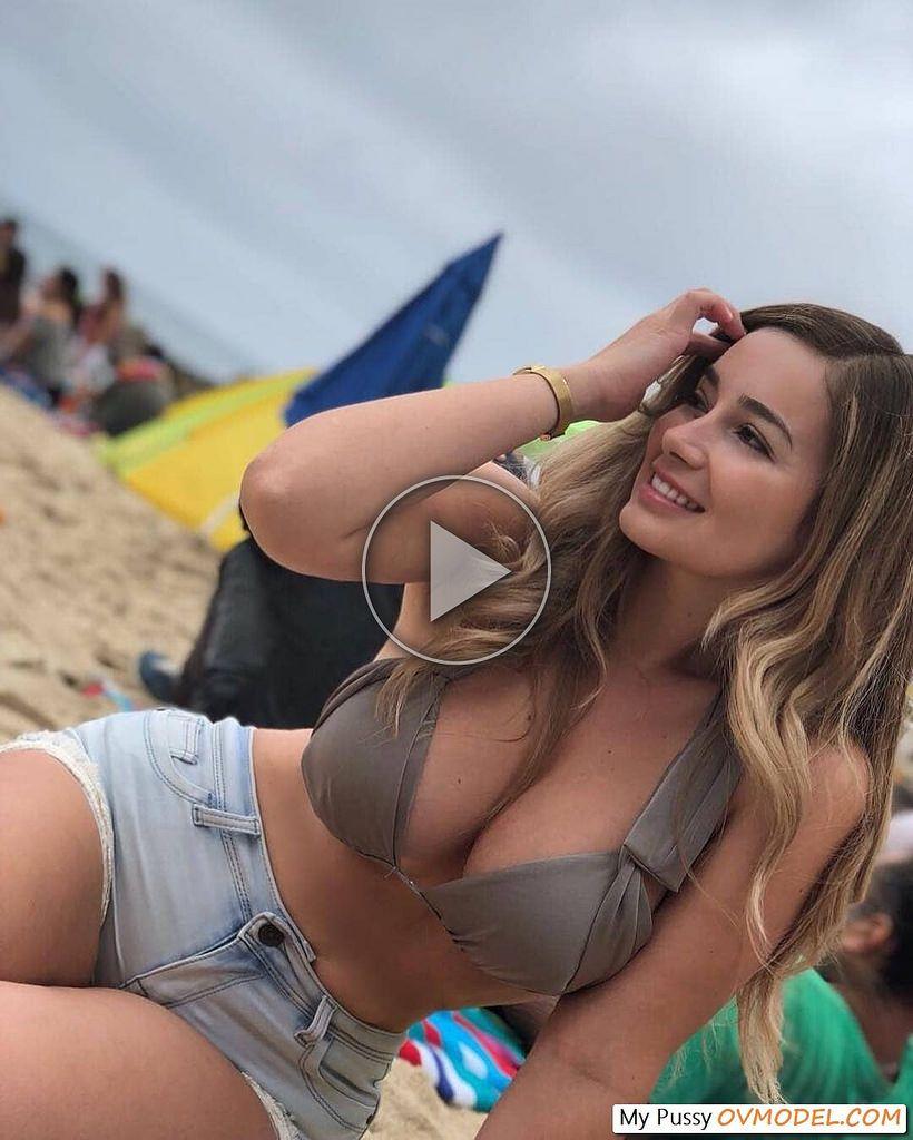 butt Sexy latina milf