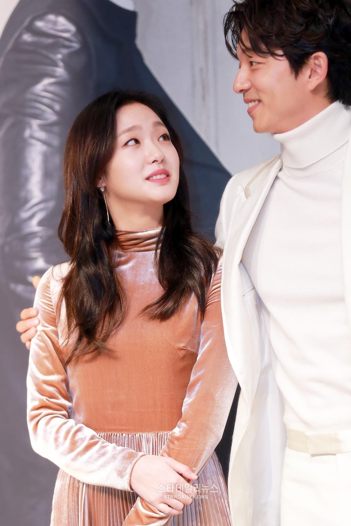 "Há p báo bá ™ phim ""Goblin"" 22 11 Gong Yoo Kim Go Eun Lee Dong Wook"