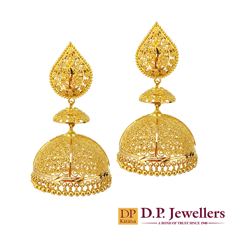 Finely Designed Flames With Royal Tombs Of Gold To Honor The Hidden Princess In You Indian Gold Bridal Earrings Gold Jewelry Outfits Jewelry Design Earrings
