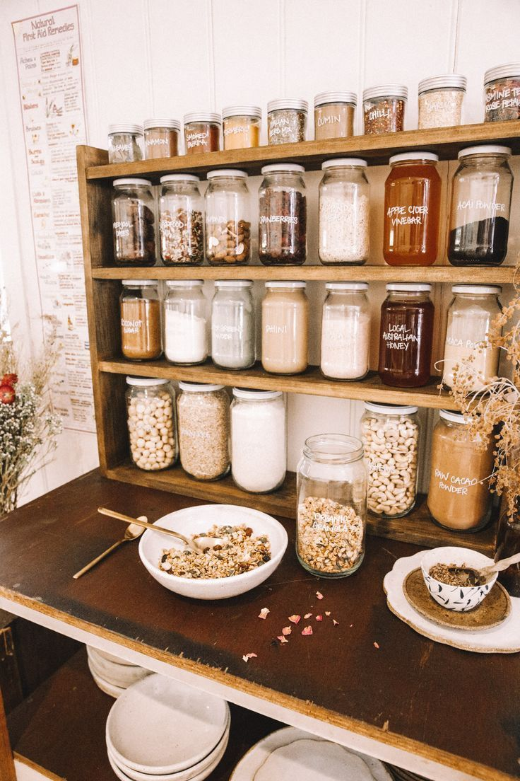 Trockenfutter frisch halten mit DRY TOP drytopproducts.com DIY Plastic Free Pantry – Sp - Jule H. #pantryorganizationideas