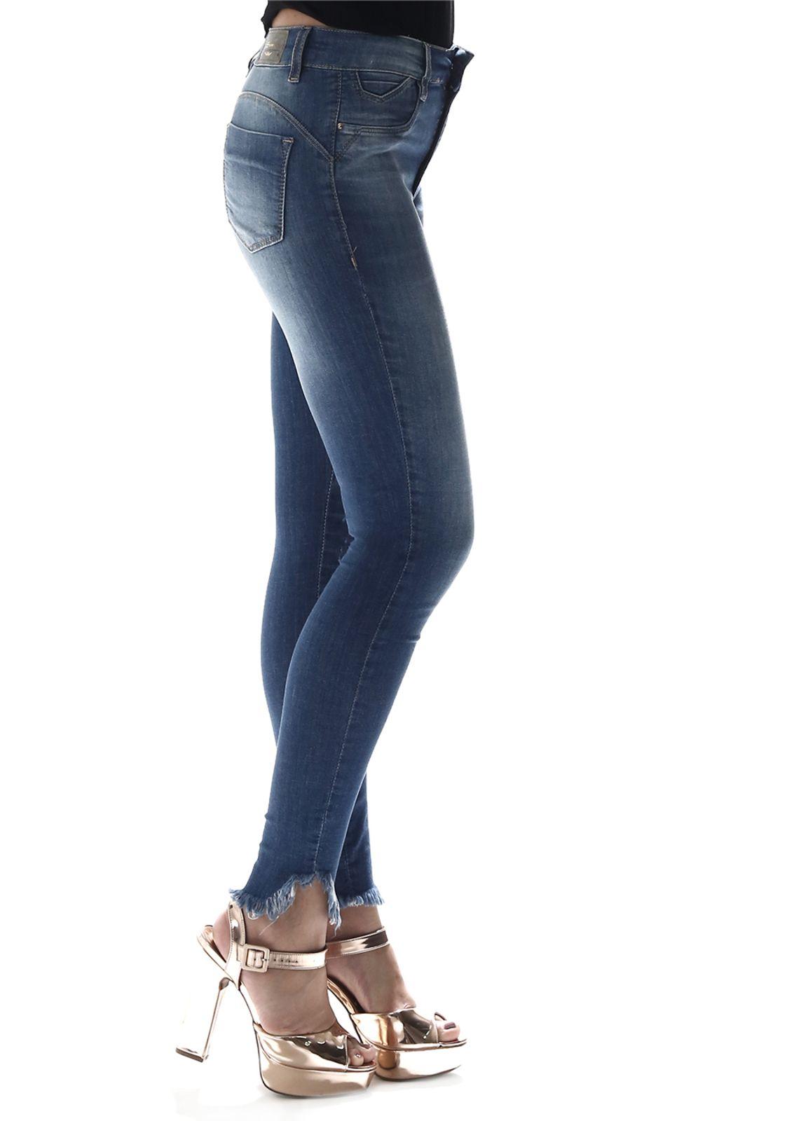 calça azul jeans cigarrete