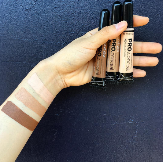 #GC972 #GC978 #GC987contouring made easy with brush tip & wide selection of shades Shop at - http://www.pick6deals.com/la-girl-conceal.html