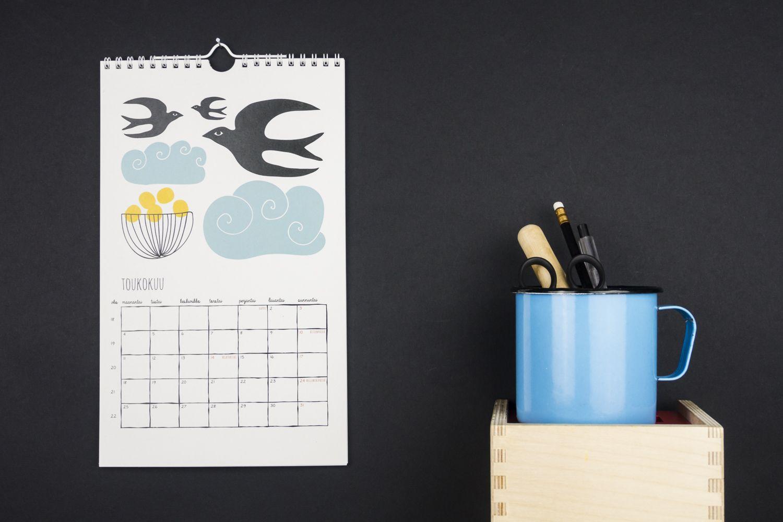 Muumuru kalenterit / calendars: Onni 2015
