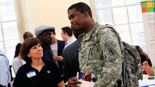 Many Of Our Veterans Are Struggling To Find Work But The International Franchise Association And Its Vetfran Program Veteran Jobs Job Hunting Tips Job Hunting
