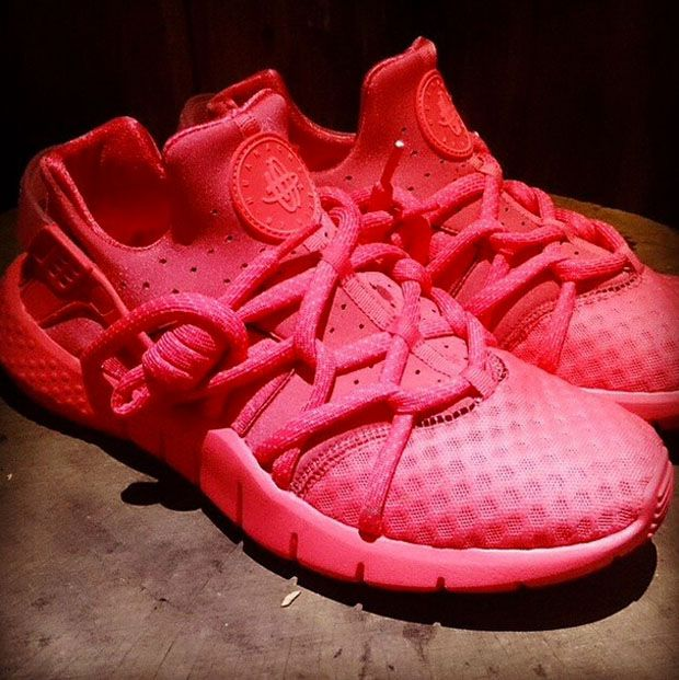 nike air huarache all pink