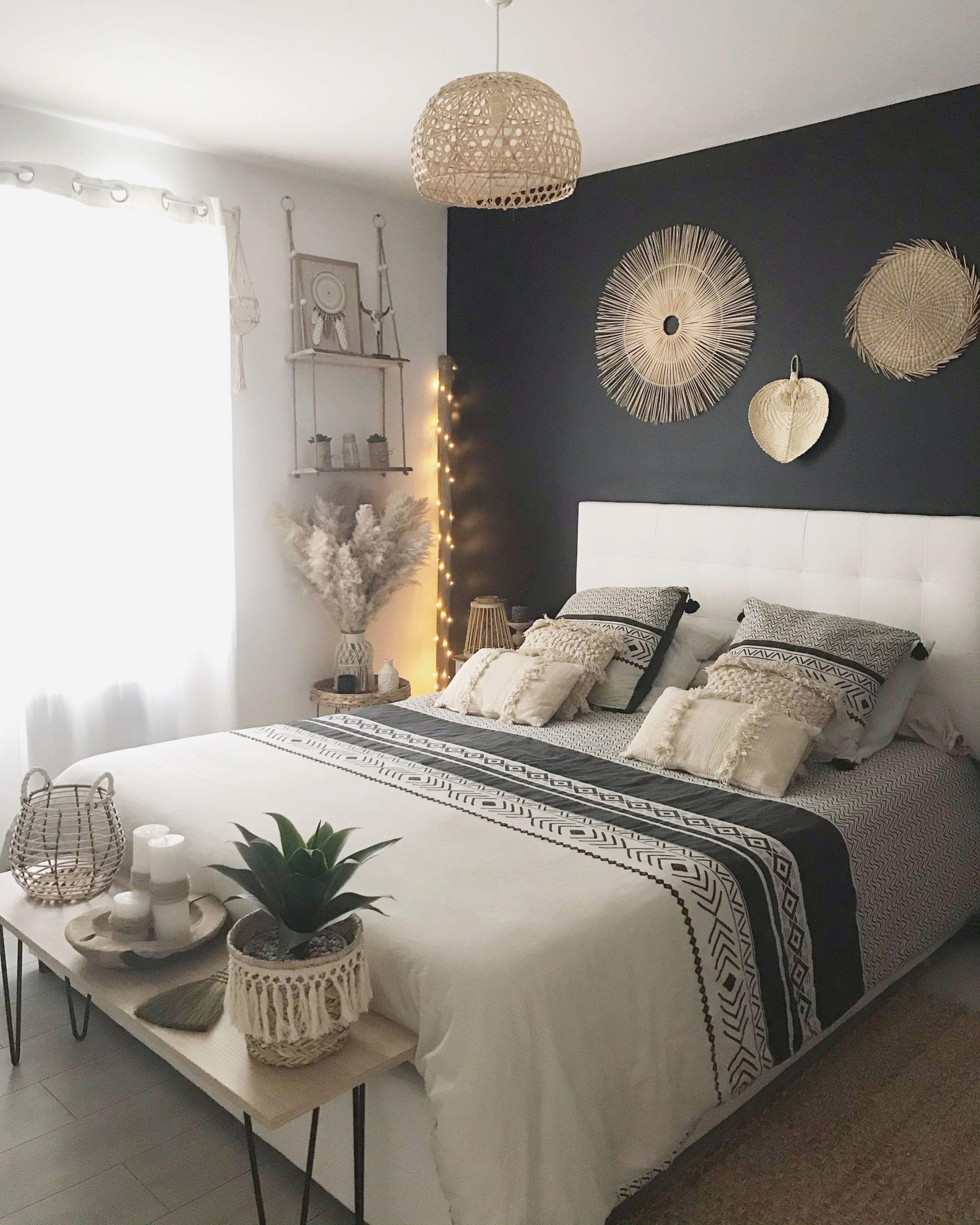 Zimmer bohemian style... R in schwarz matt... Dekoration holz ...
