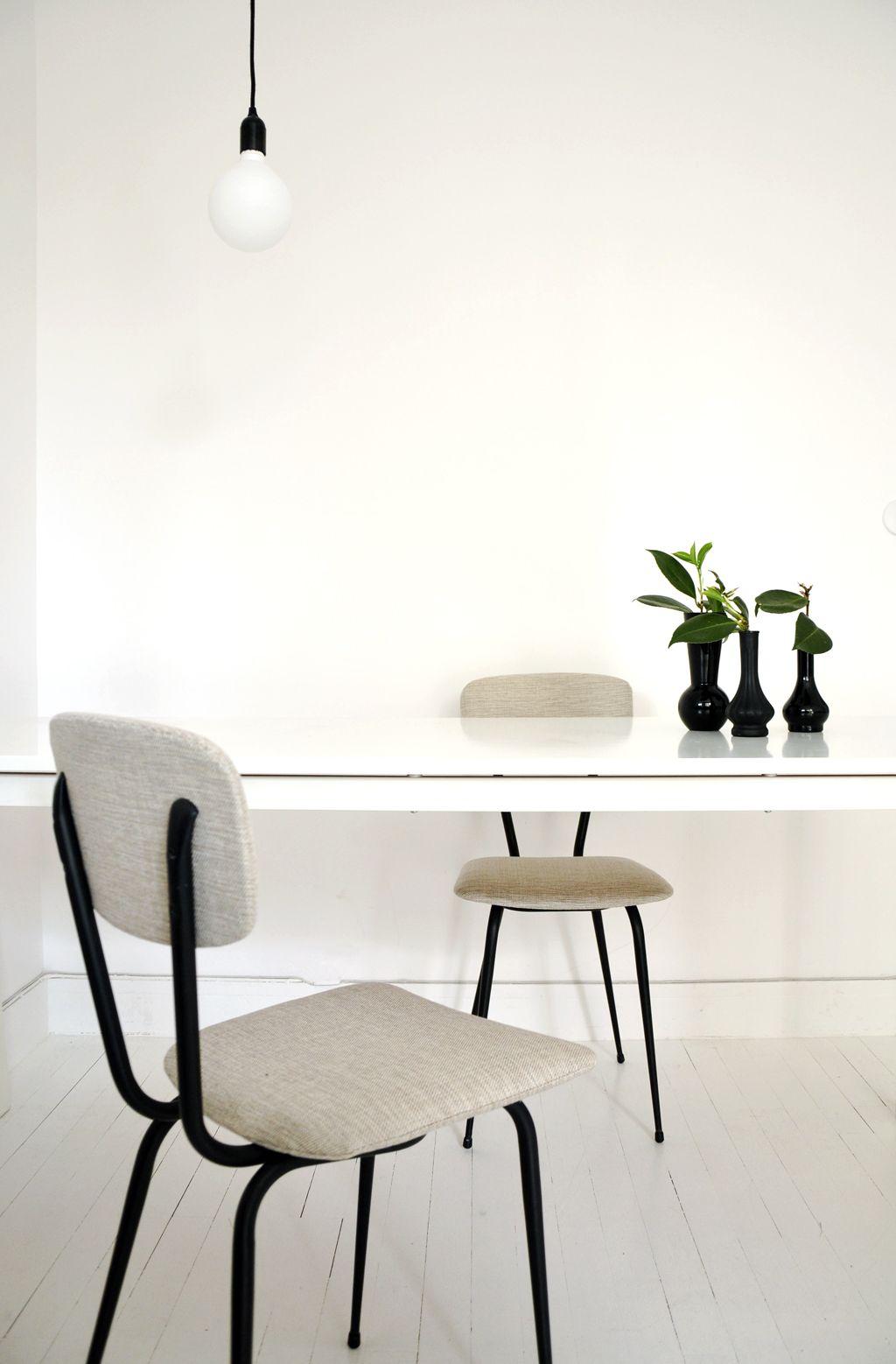 Chaise tubulaire noir chaise m tal noir chaise cuisine for Mobilier de cuisine annees 50