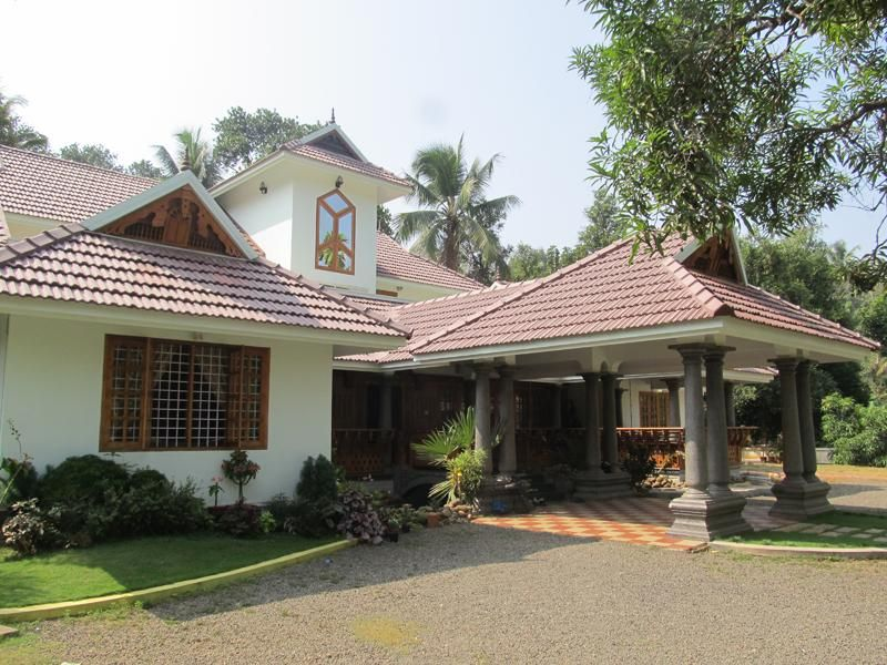 House plans kerala traditional traditional home design for Traditional house plans kerala style