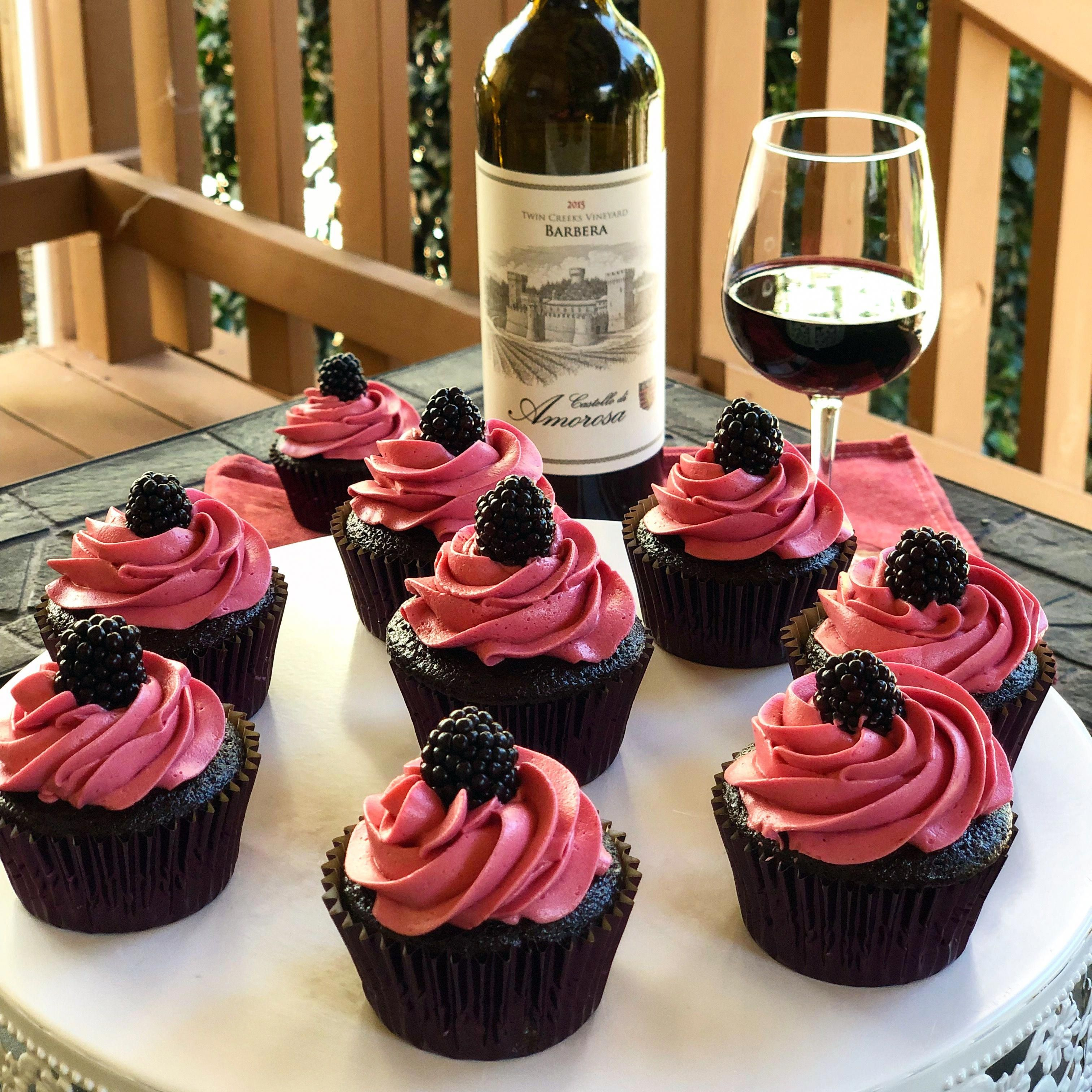 Chocolate Red Wine Cupcakes With Blackberry Buttercream Yummy Cake Chocolate Birthday Blackberry Dessert Wine Cu Wine Cake Wine Cupcakes Wine Desserts
