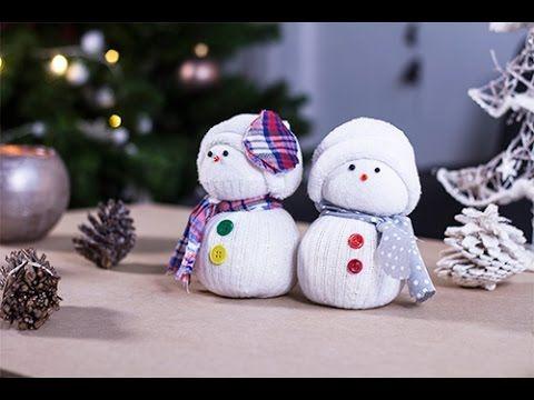 Bonhomme de neige en chaussette par sev bonhomme de neige bonhomme et neige - Faire un bonhomme de neige avec des gobelets ...