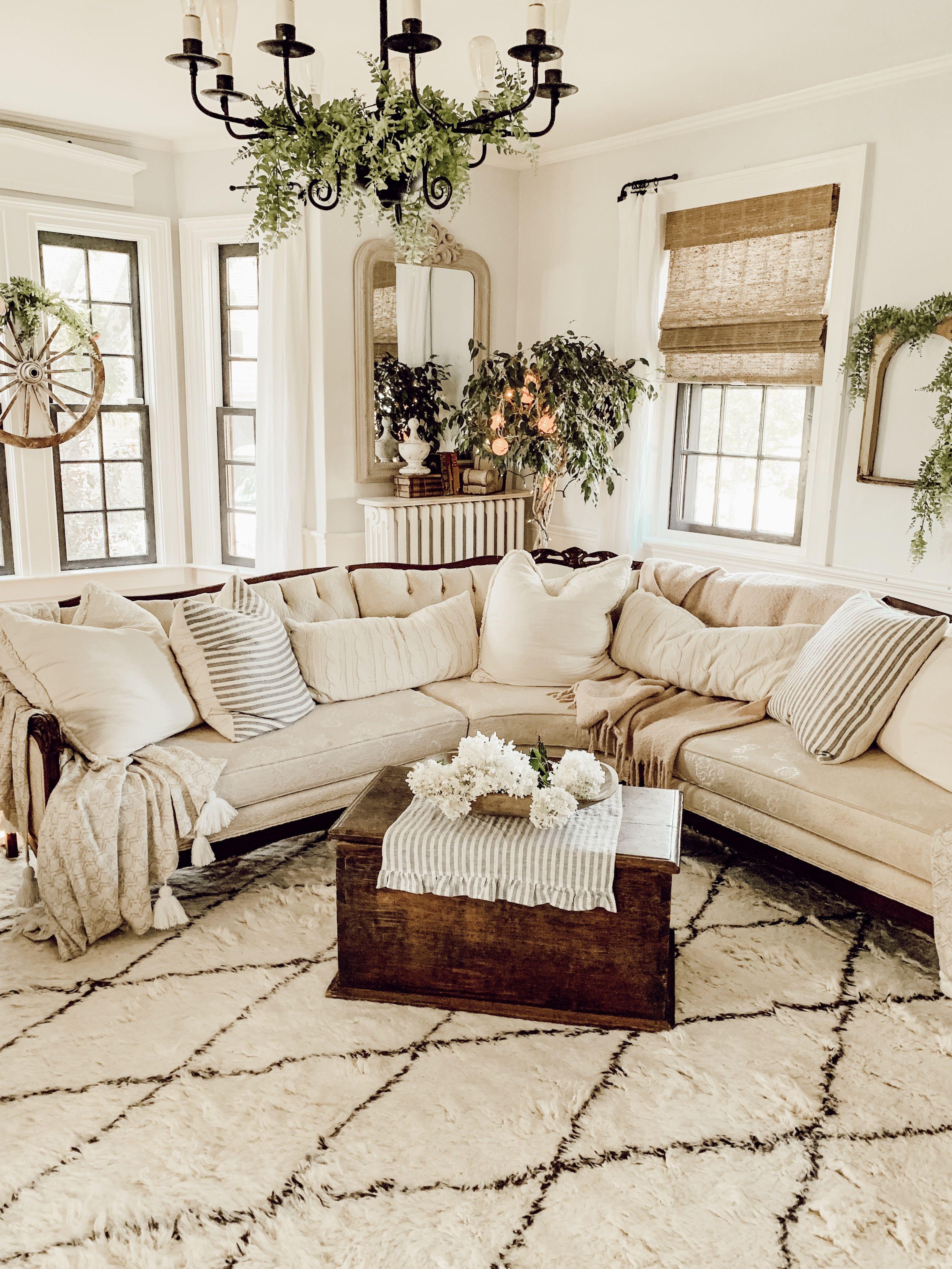 Rustic vintage farmhouse living room cozy home  Farm house living