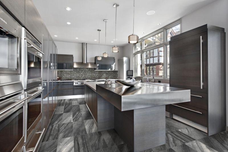 arbeitsplatten f r die k che kochinsel aus edelstahl interiors exteriors pinterest k che. Black Bedroom Furniture Sets. Home Design Ideas