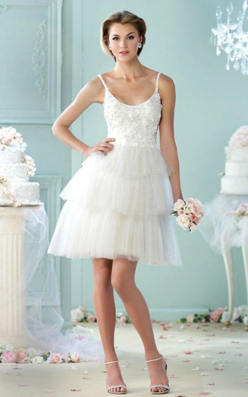 47 Amazing Short Wedding Dress for Vow Renewal | Short wedding ...