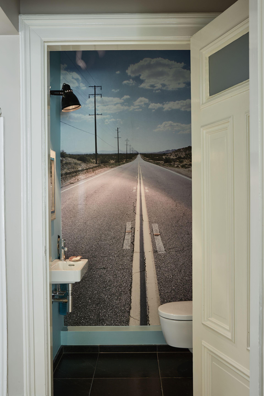 Badezimmer-eitelkeiten mit spiegeln diy vom urlaubsfoto  foto tapete für super kleines wc  badezimmer