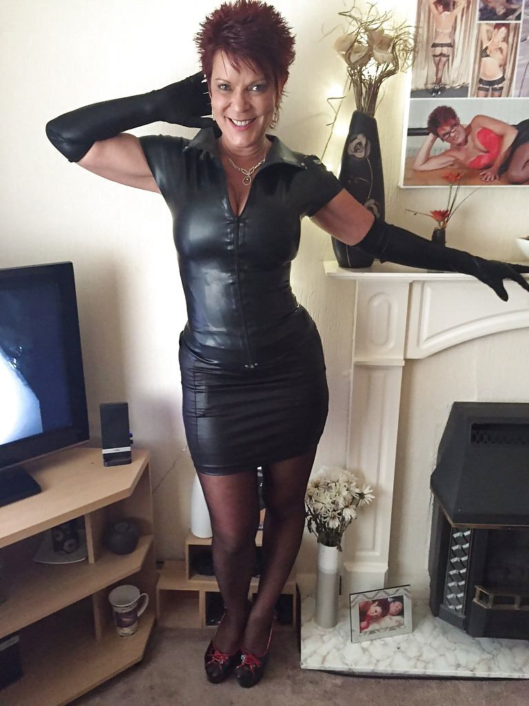 British Milf Scorpion Leather Sexy Sexy Latex Mature