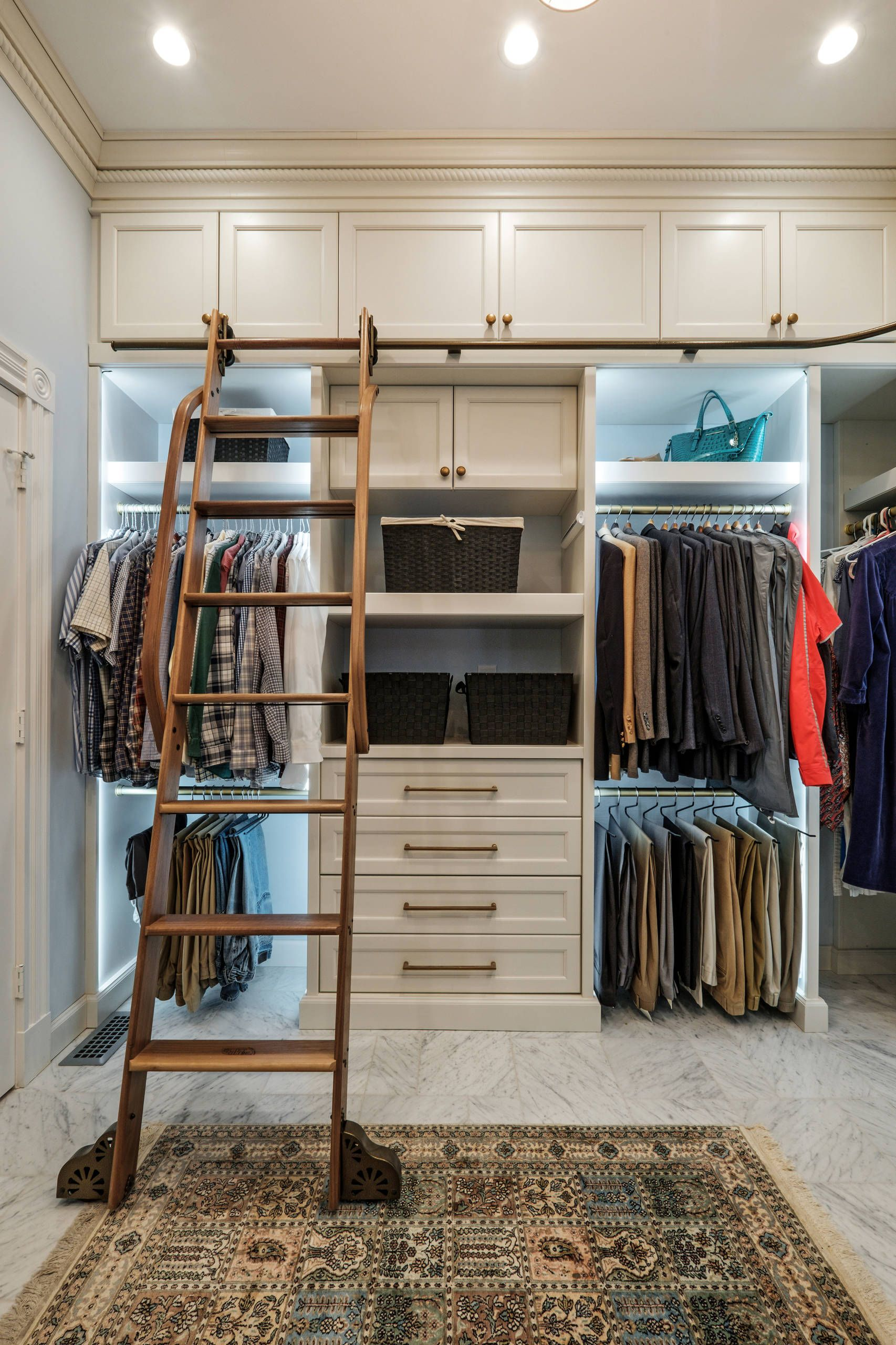 31 great walk in closet ideas walk in closet design on extraordinary small walk in closet ideas makeovers id=18565