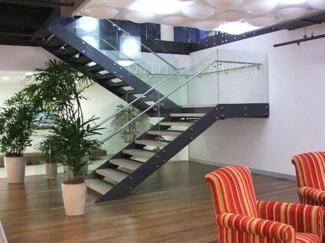 Resultado de imagen para metal stairs