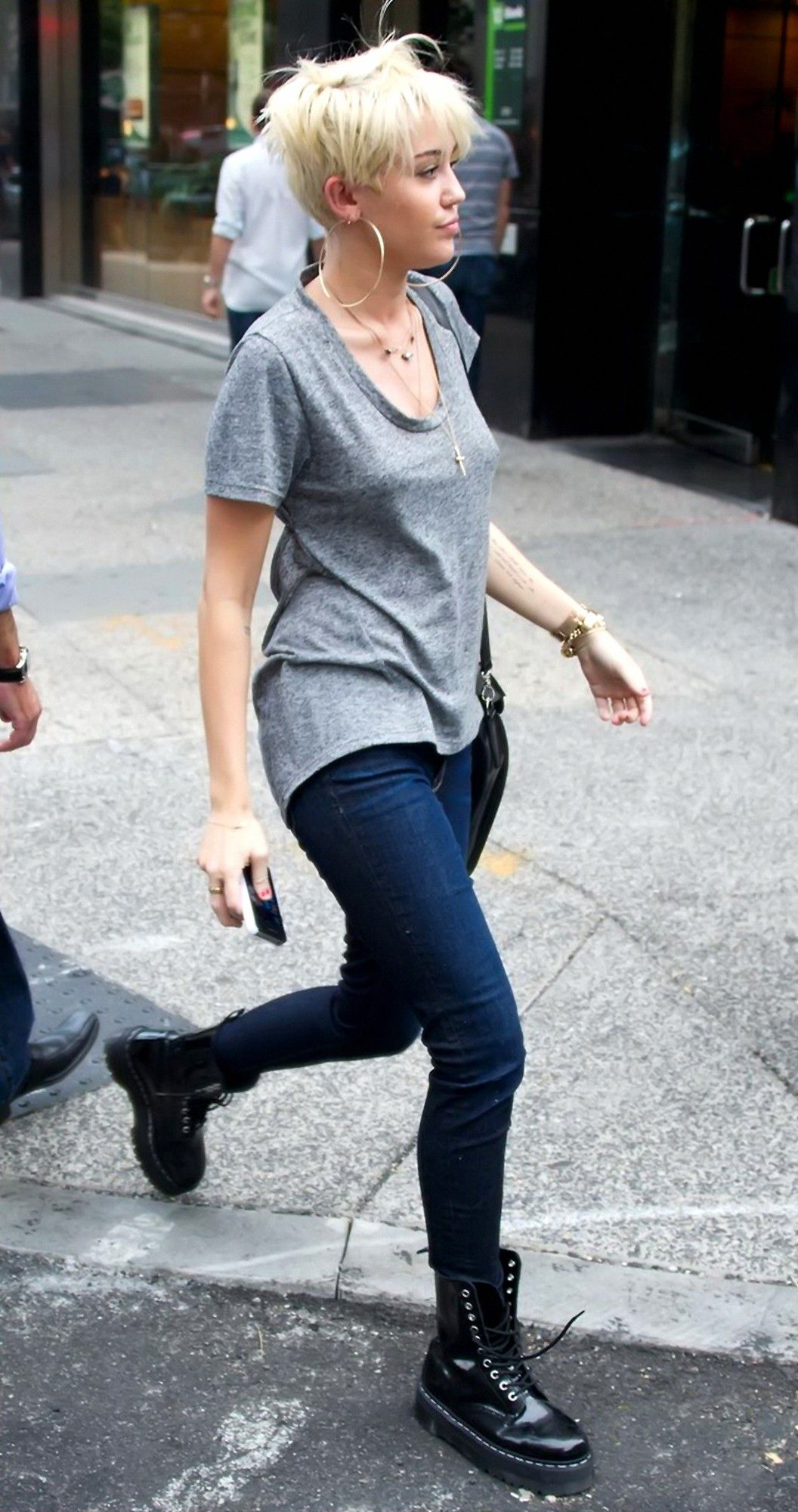 4cdc9153dccc Miley Cyrus with Skinny jeans candids in Philadelphia