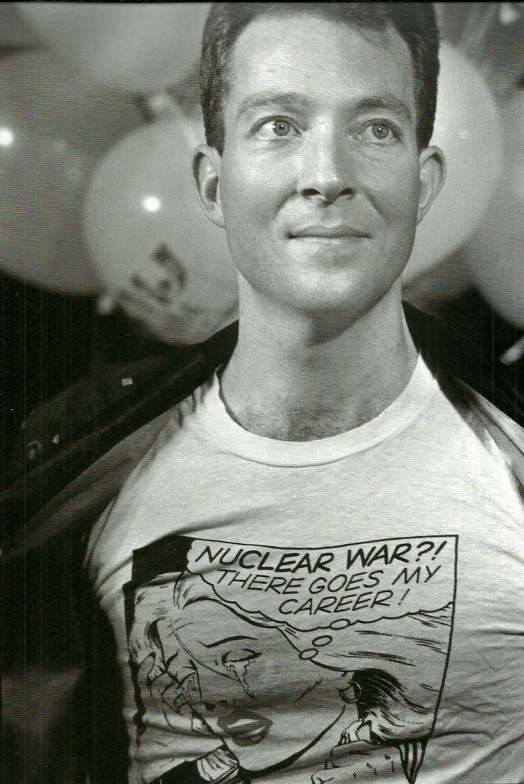 Fred Schneider from the B52s in an awesome graphic tee. | Rock \'n ...