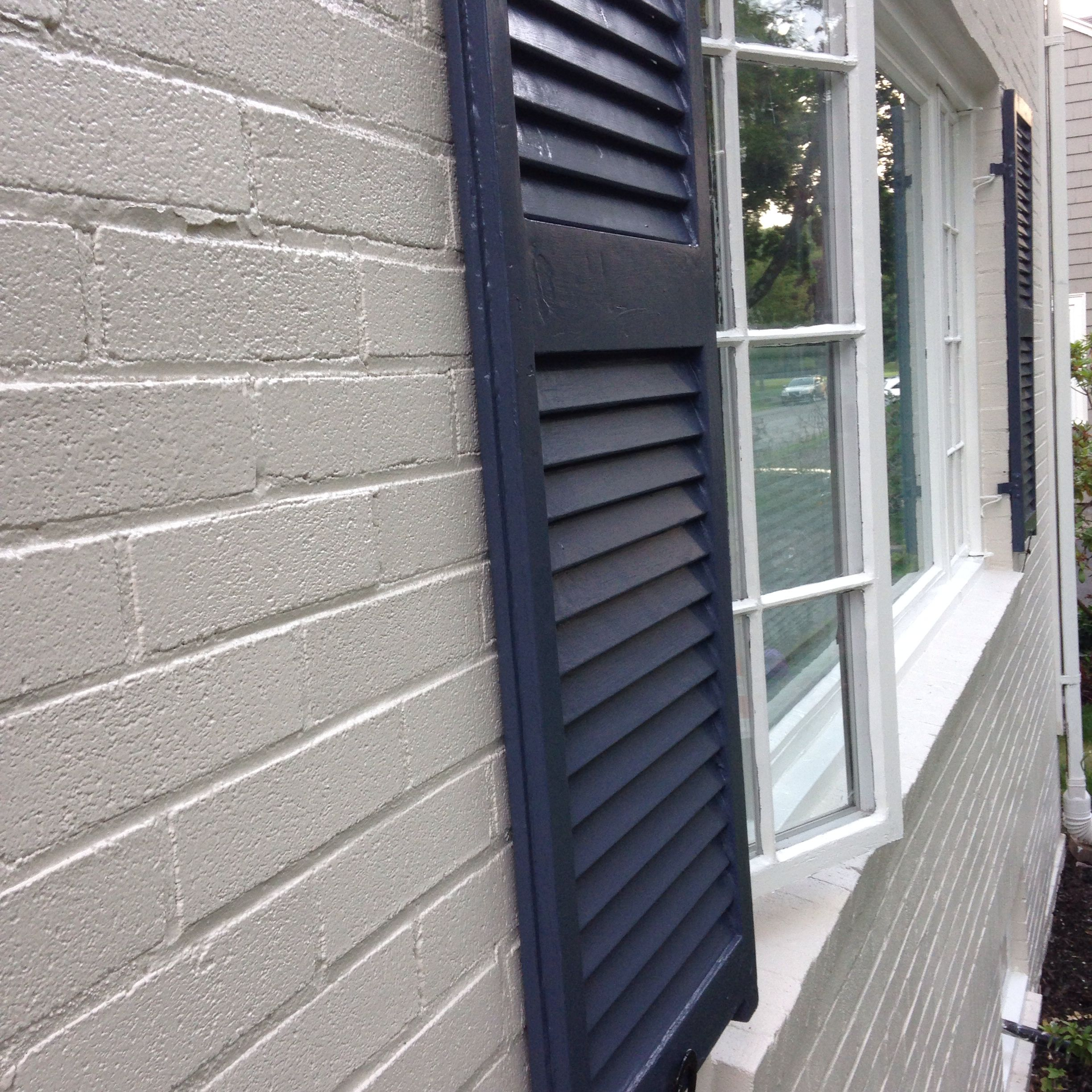 Painted brick exterior ben moore edgecomb grey hale navy White painted brick exterior