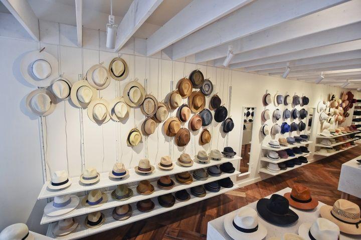 Hats In The Belfry Store By Chrysalis Studio Philadelphia Pennsylvania Hats In The Belfry Belfry Retail Design Blog