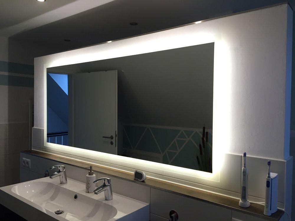 Badspiegel Mit Beleuchtung Unser Badezimmerspiegel Badspiegel Badezimmerspiegel Spiegelschrank Bad