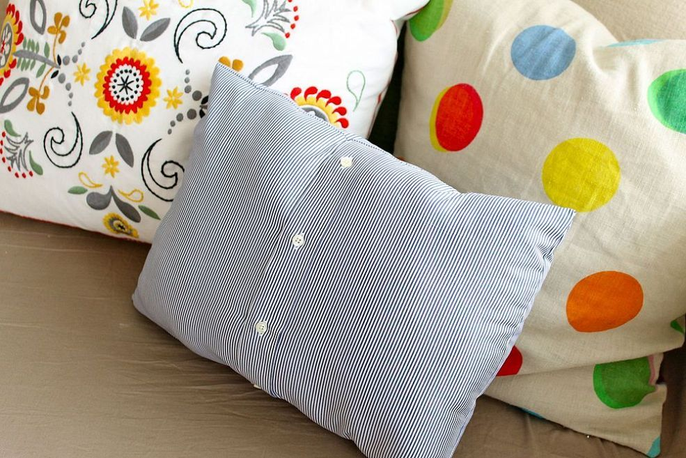 Make a Pillow From a Man's Shirt Sewing crafts, Sewing
