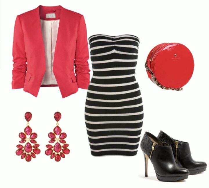 Vestido de listas y chaqueta rosada