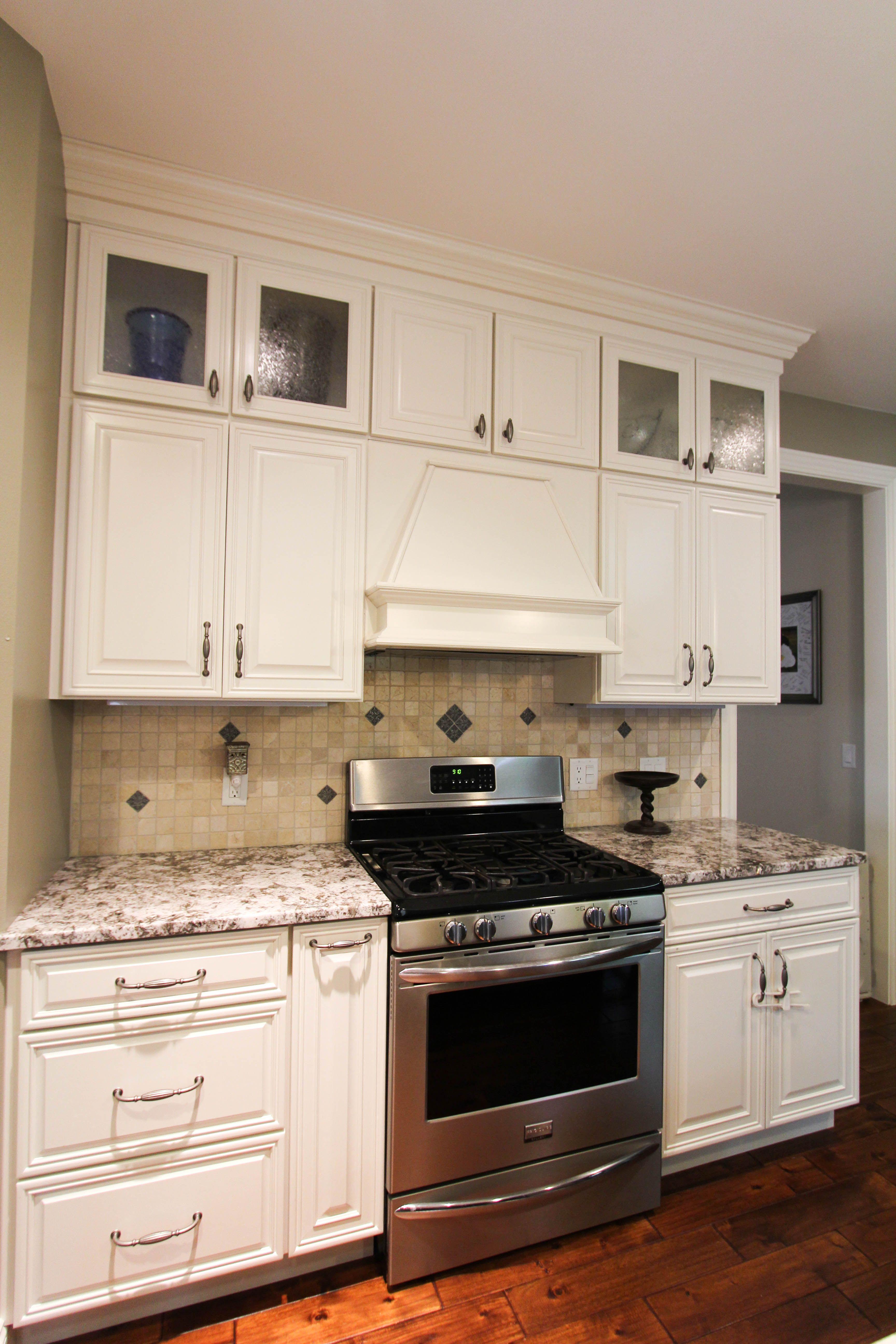 White cabinets, custom backsplash | Custom backsplash ...