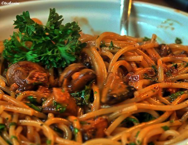 Spaghetti mit Champignons – Rezept mit Bild  – Nudelgerichte und Rezepte für Pasta-Soßen