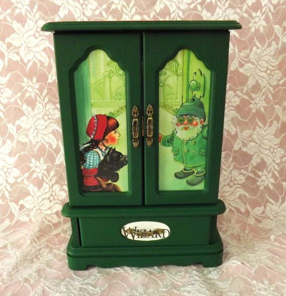 121 MBS One Of A Kind Wizard Of Oz Jewelry Box Green Jewelry