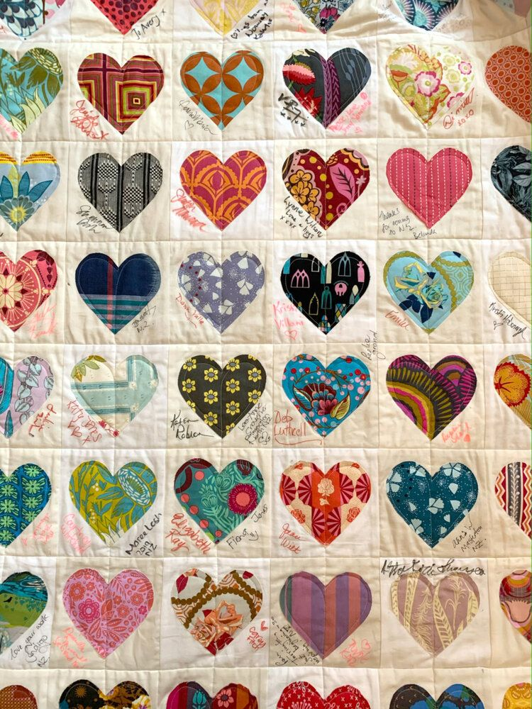 Happy Scrappy Heart Kit In 2020 With Images Scrappy Heart Quilt
