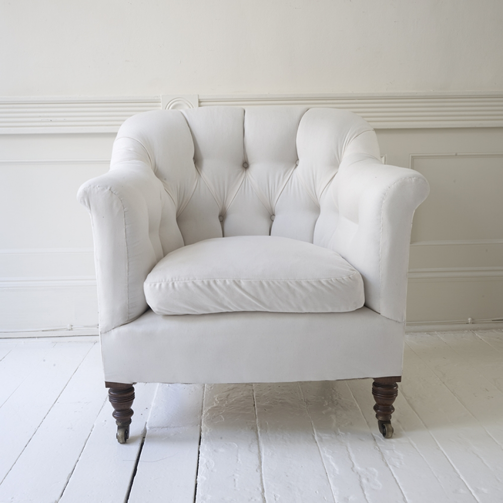 HOWARD & SON BUTTONED TUB CHAIR in Seating Upholstered