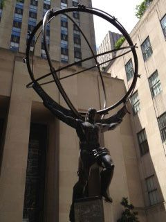 He has the whole world in his hands!! Rockefeller Center