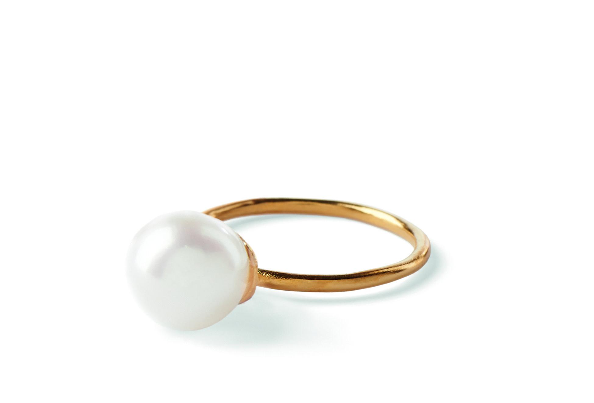 South Sea Ring Smuk og elegant ring med ferskvandsperle. Smuk at kombinere med den lille South Sea ring. Perlen er ca. 9 mm.