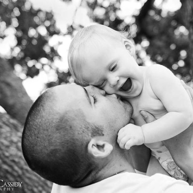 Father and baby's first birthday picture #photography #baby #dad #kiss