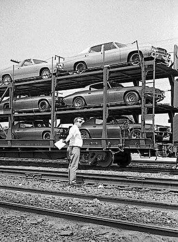 Pontiacs | Car Carriers | Chevrolet dealership, Cars et Retro cars