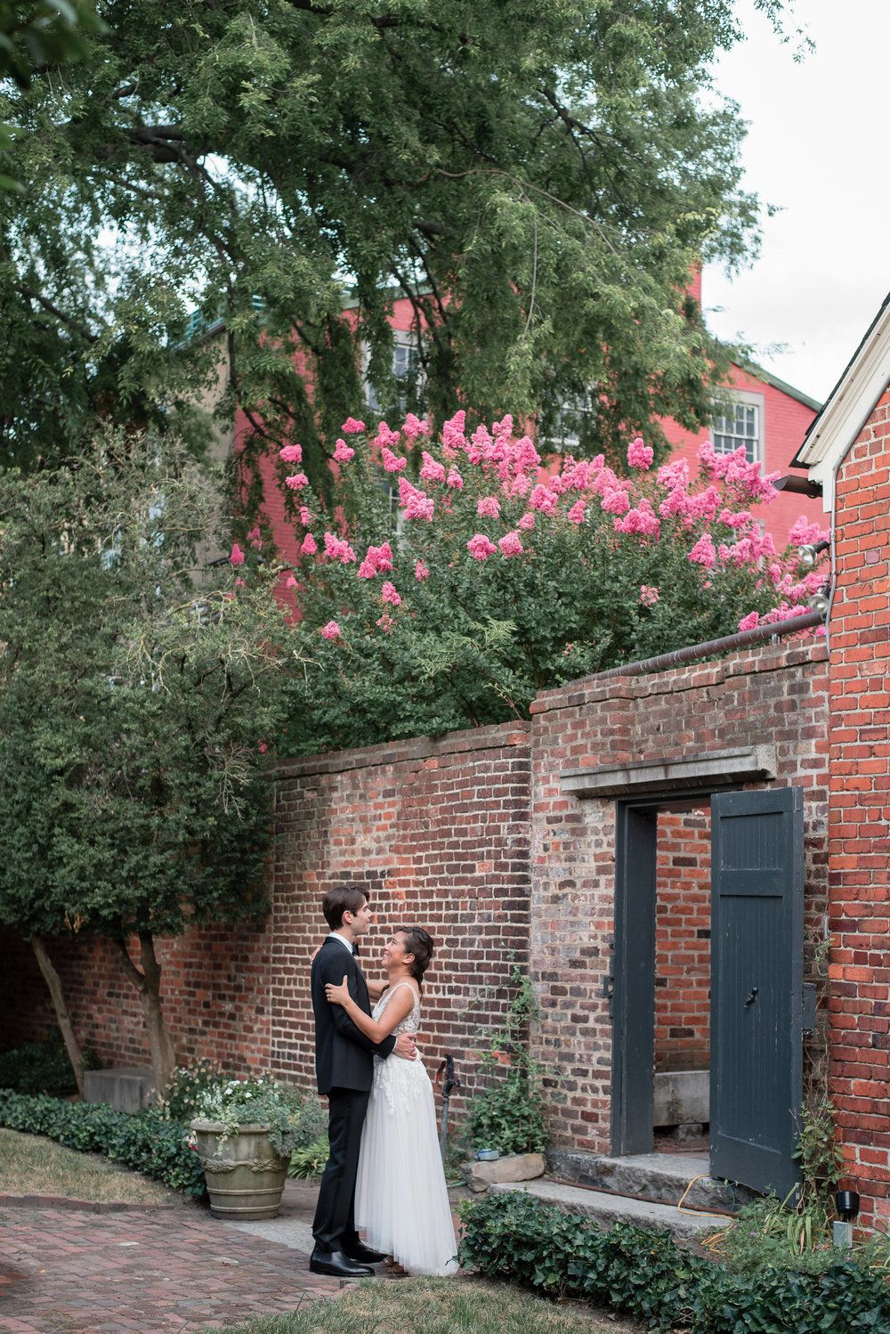 13 Museum Weddings And Engagement Sessions That Will Leave You In