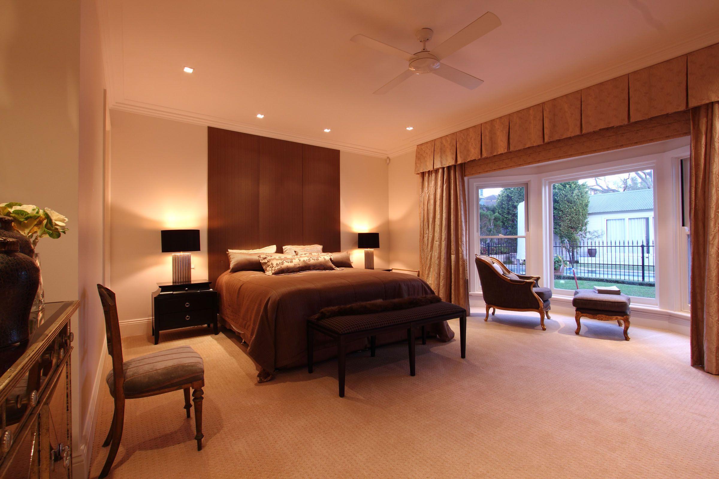 #Bedroom #Upholsteredheadboard #Curtains #Pelmet Interesting, Inspiring And Individual Family Homes