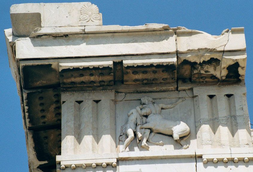 In Classical Architecture A Metope Is Rectangular Architectural Element That Fills The Space Between Two Triglyphs Doric Frieze Which