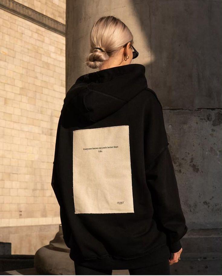 Übergroße Hoodie Slicked Blonde Brötchen lässig Wochenend-Stil Inspo Übergroße Style …   – STYLE GOALS