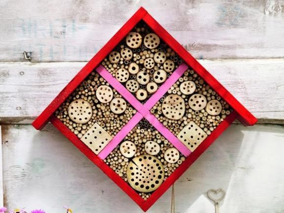anleitung insektenhotel selber bauen insektenhotel. Black Bedroom Furniture Sets. Home Design Ideas