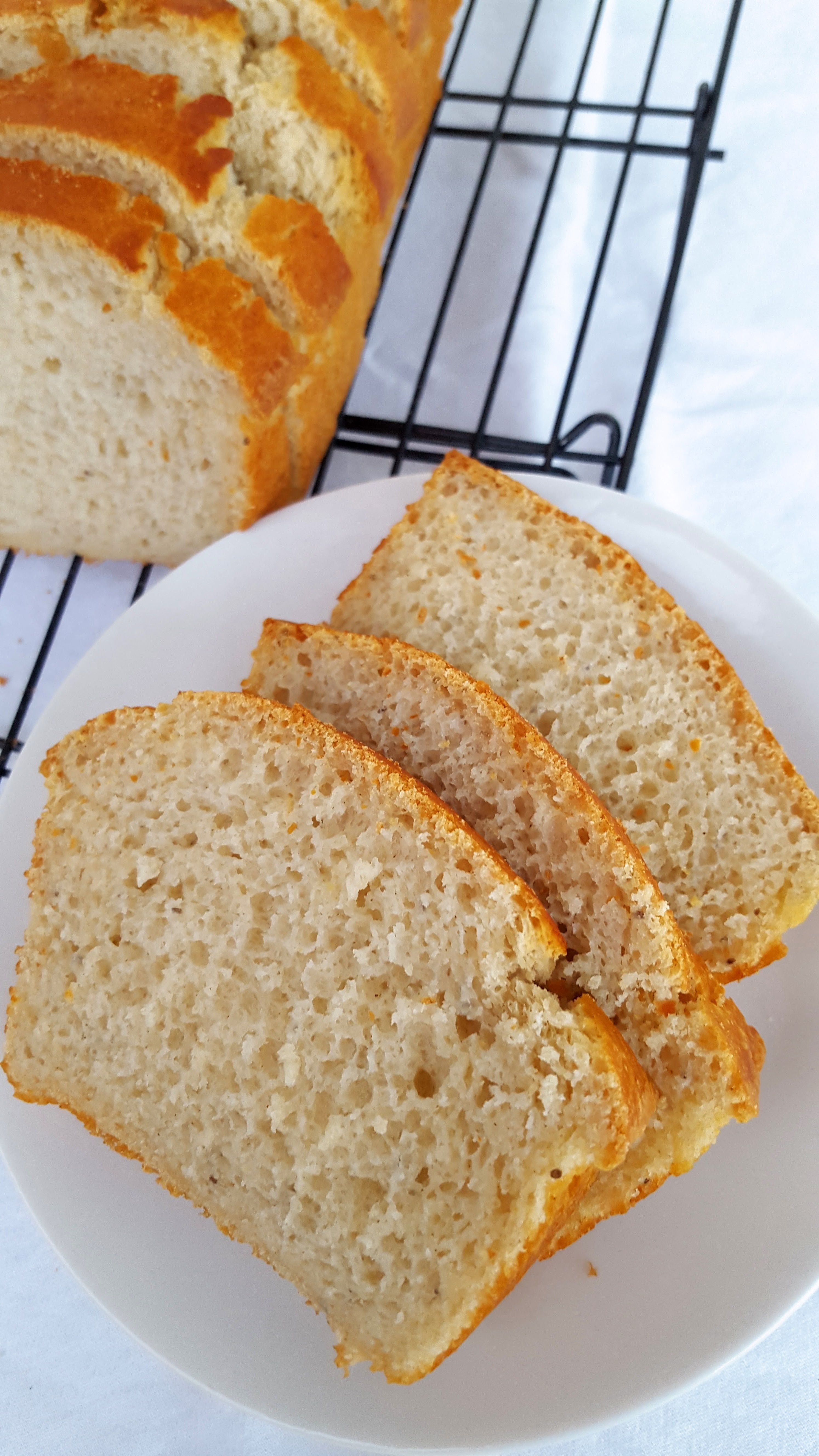 Amazing Gluten Free White Bread Without Xanthan Gum Plus 7 Tips For Making It Recipe Food Gluten Free Baking Gluten Free Bread