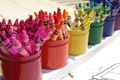 Love this fruit cup tin can upcycle into montessori-style crayon organization.