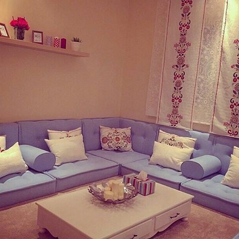 Instagram Photo By وردة المفروشات Aug 14 2015 At 2 59am Utc Living Room Decor Apartment Living Room Colors Small Living Rooms