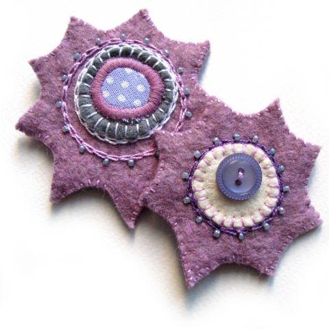 Csillag - 2db hímzett filc hűtőmágnes, Konyhafelszerelés, Otthon, lakberendezés, Dekoráció, Hűtőmágnes, 2db hűtőmágnes lila filcből varrva, ...